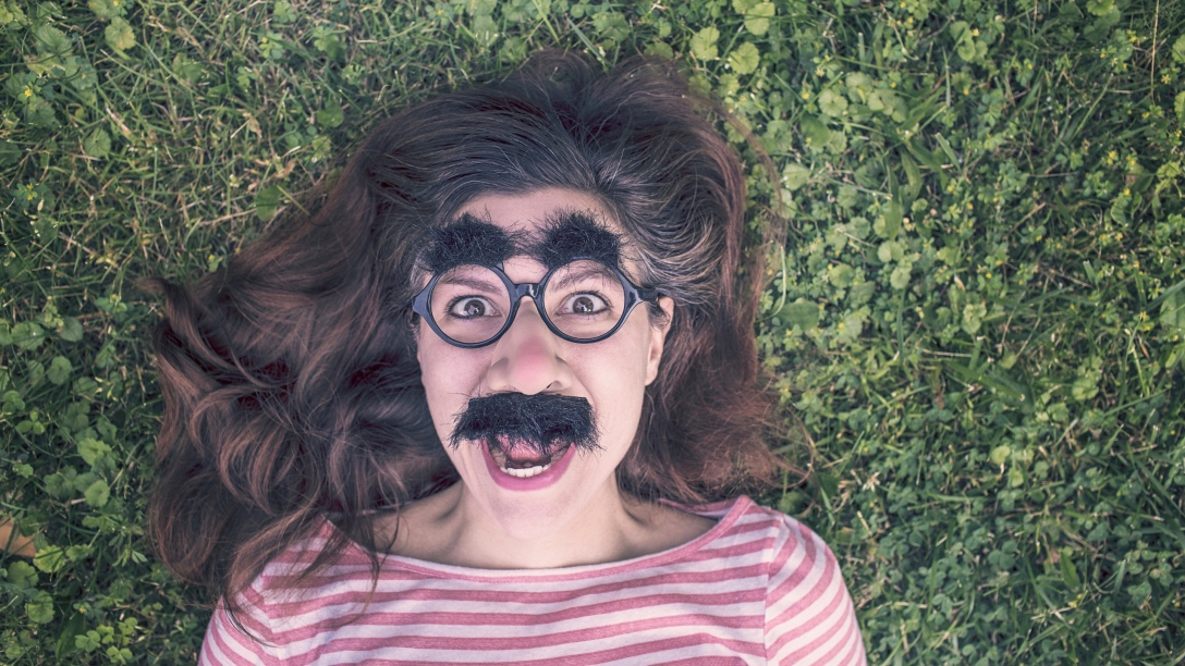 featured-image-woman-with-silly-glasses